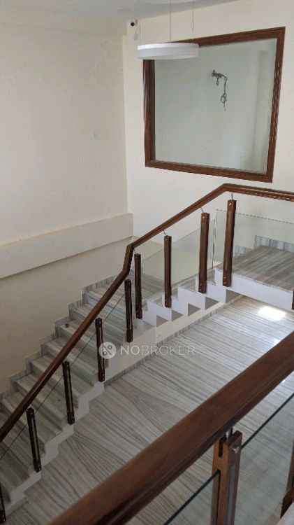4BHK Flat for rent in Sector 28, Gurgaon