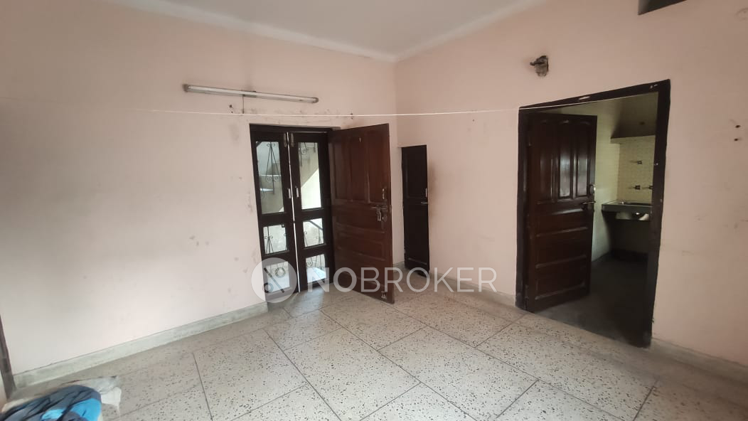 1BHK Flat for rent in Sector 11, Gurgaon