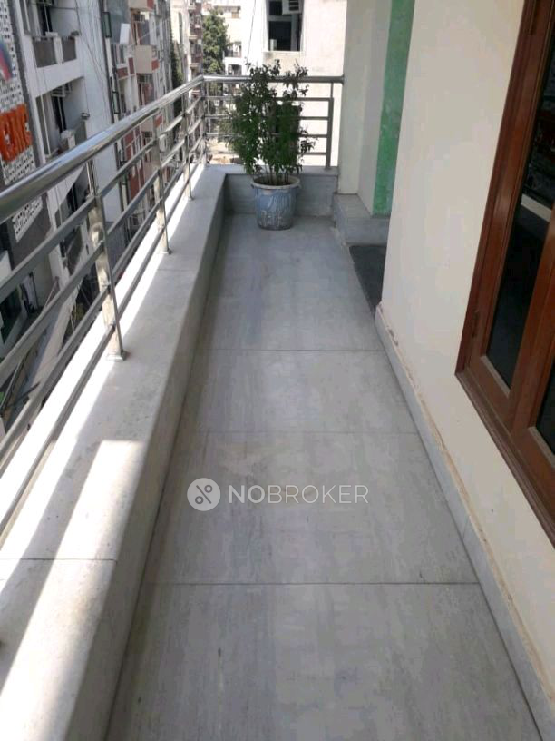 Room and Kitchen for rent in U Block, DLF Phase 3, Sector 24, Gurgaon