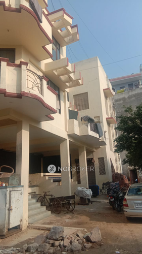 3BHK Flat for rent in Sector 28, Gurgaon