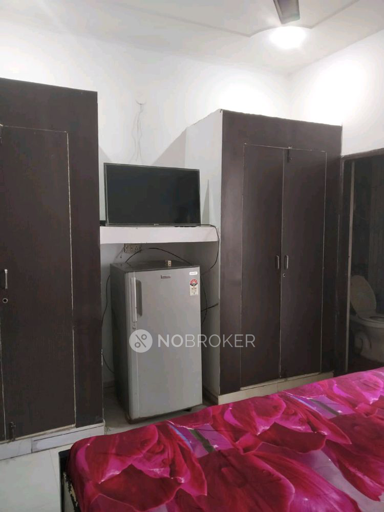 Room and Kitchen for rent in DLF Phase 3, Sector 24, Gurgaon