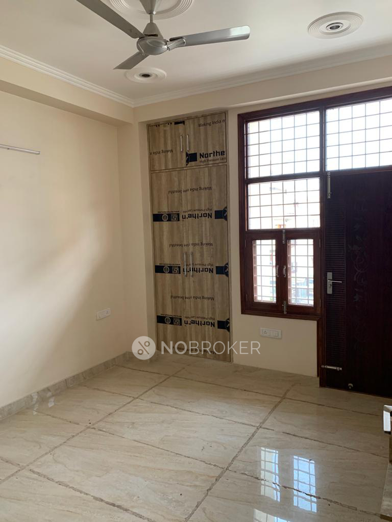 2BHK Flat for rent in Sector 46, Gurgaon