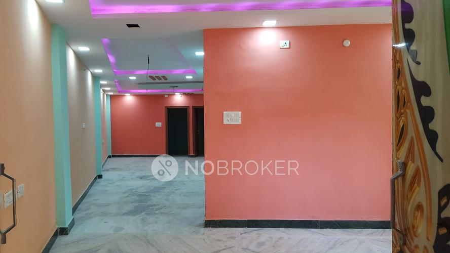 4 bhk flat for sale in toli chowki