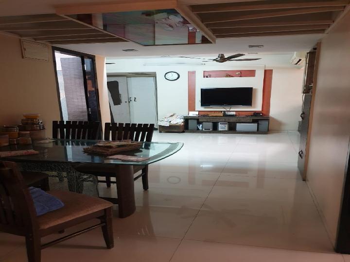 2 BHK Flats, Apartments for Sale in Saibaba Nagar, Mumbai